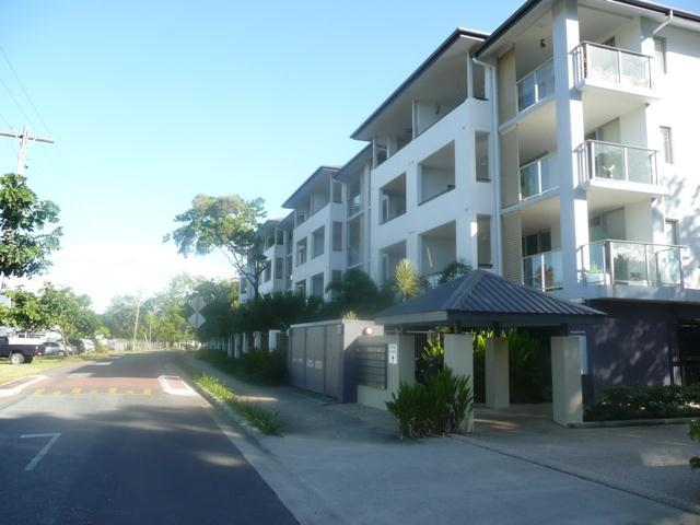 2/9-15 Mclean Street, Cairns North, Qld 4870