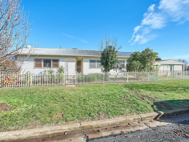 62 Inglis Street, Lake Albert, NSW 2650