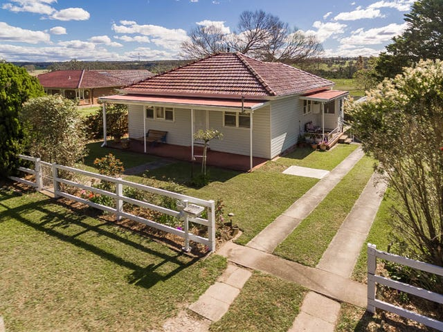 829 Montpellier Drive, The Oaks, NSW 2570