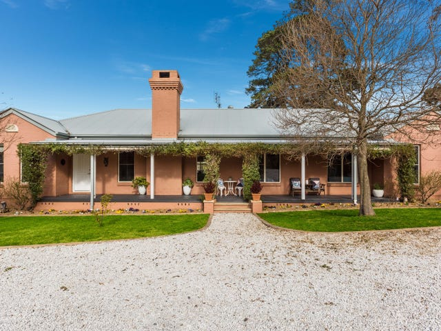 1 Cluff Crescent, Bowral, NSW 2576