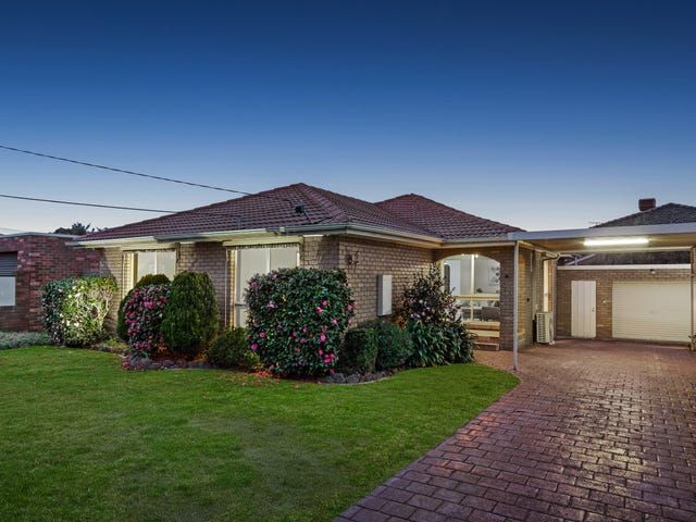 8 Whitehaven Crescent Noble Park North Vic 3174