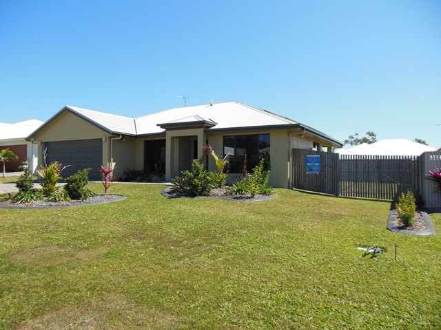 7 Rattray Streeet, Bushland Beach, Qld 4818