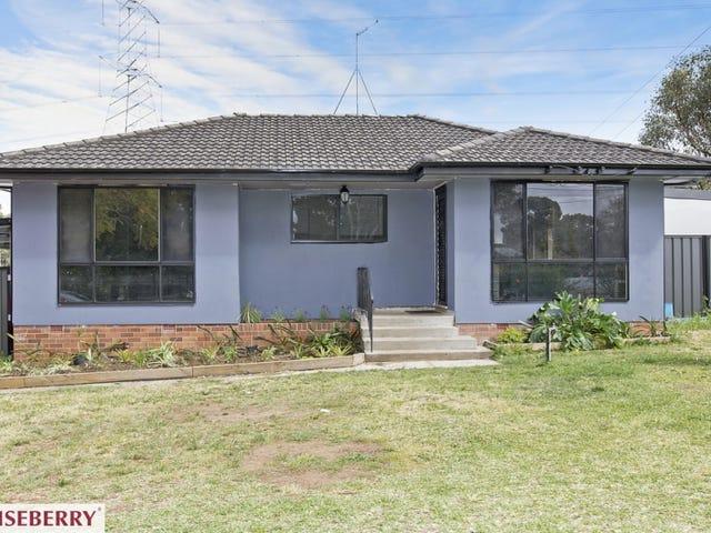30 Lucena  Crescent, Lethbridge Park, NSW 2770
