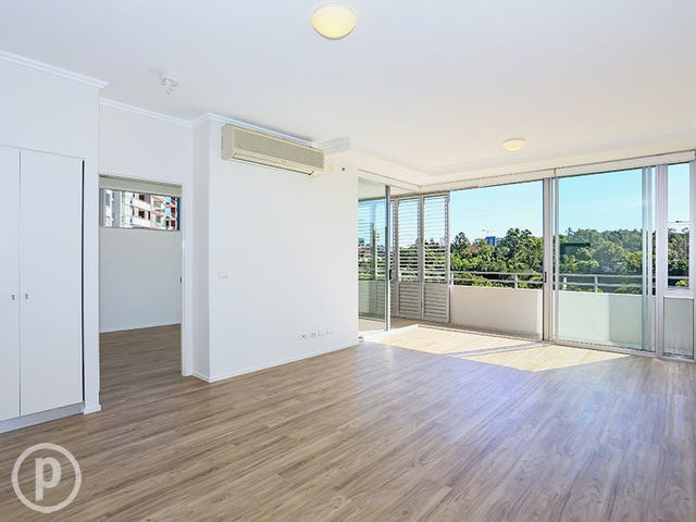 3013/3-7 Parkland Boulevard, Brisbane City, Qld 4000