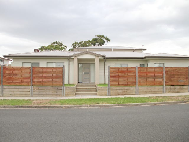 19 Augusta Crescent, Frankston, Vic 3199