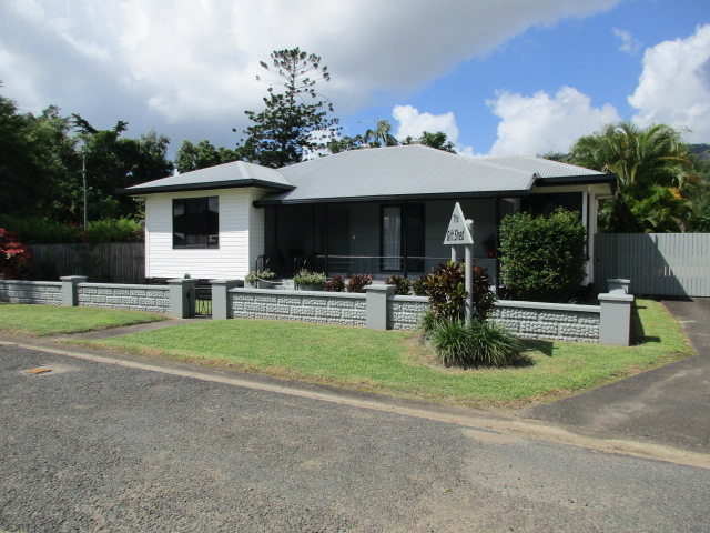 20 Anzac Parade, Finch Hatton, Qld 4756