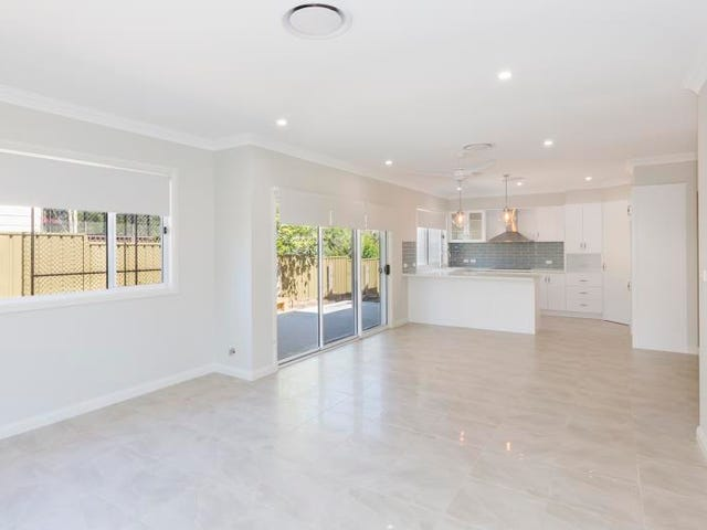 1/4 Short Street, Springwood, Springwood, NSW 2777