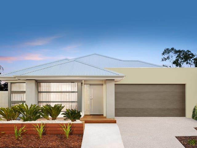 Cnr  Penola St & Newmarket St, Currans Hill, NSW 2567