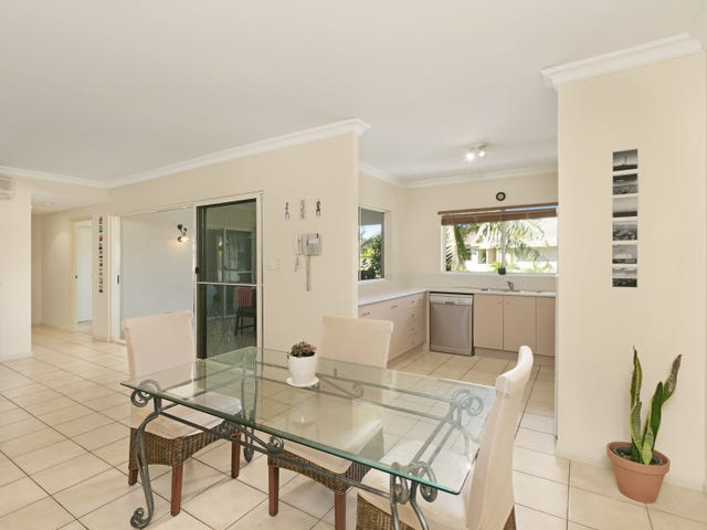 1013/2 Greenslopes Street, Cairns North, Qld 4870
