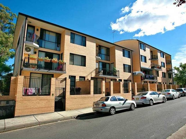 2/11  Charles Street, Liverpool, NSW 2170
