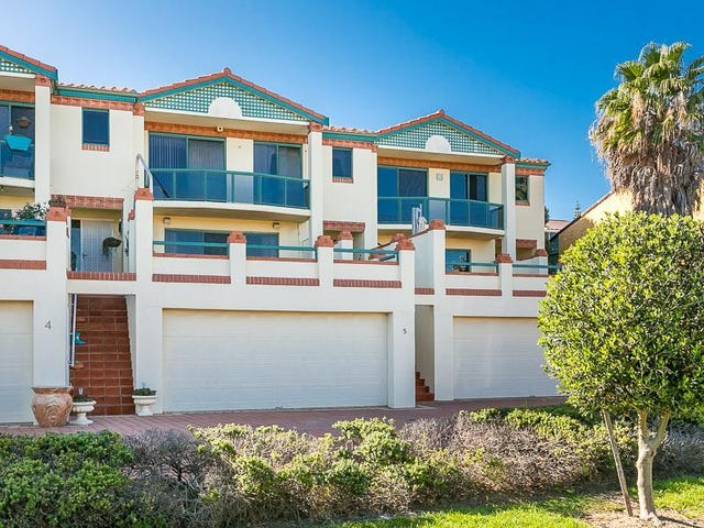 5/16 Toulon Circle, Mindarie, WA 6030