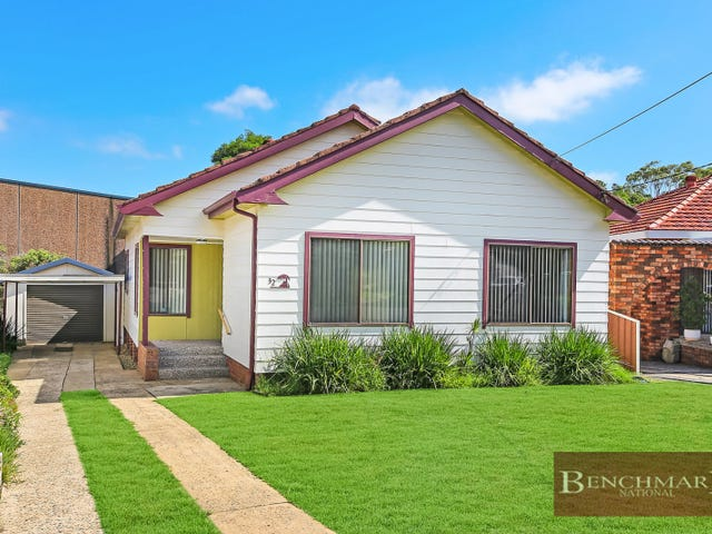 32 LEIGH AVENUE, Roselands, NSW 2196