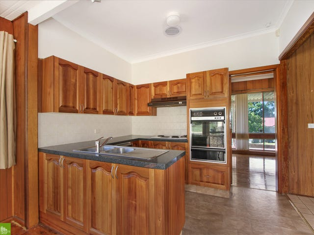 16 Tresnan Street, Unanderra, NSW 2526