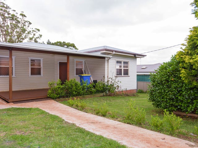 3 Garde St, Centenary Heights, Qld 4350