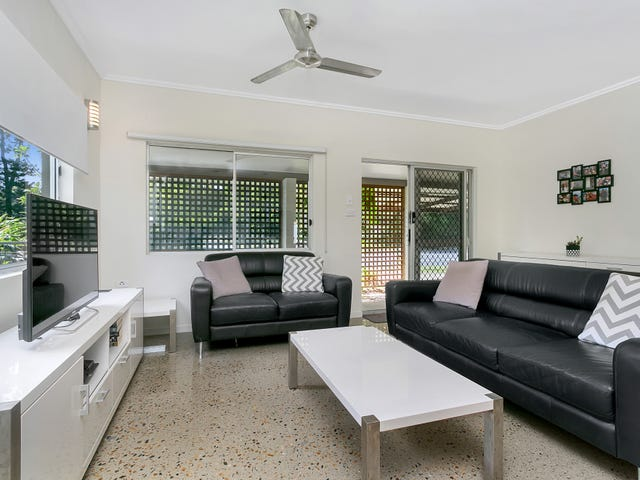 2/106 Wistaria Street, Holloways Beach, Qld 4878