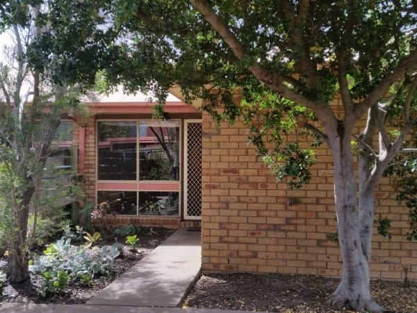 3/8 Geelong Road, Torquay, Vic 3228