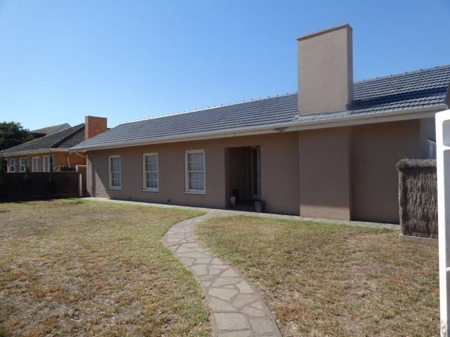 18 Richardson Avenue, Glenelg North, SA 5045