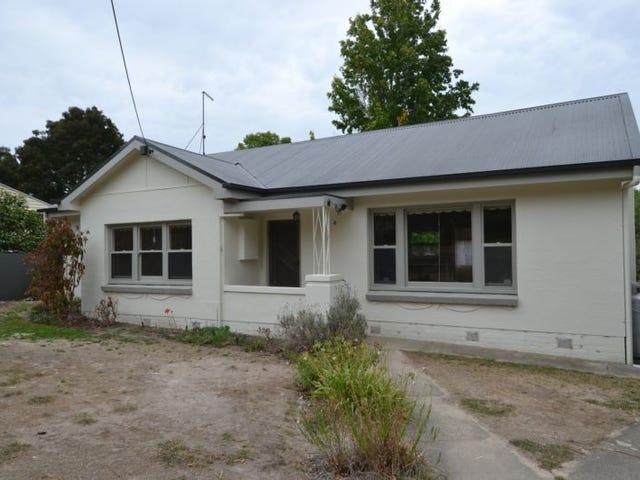 4 Neill Street, Beaufort, Vic 3373