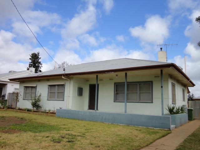 18 Mitchell Street, Dareton, NSW 2717