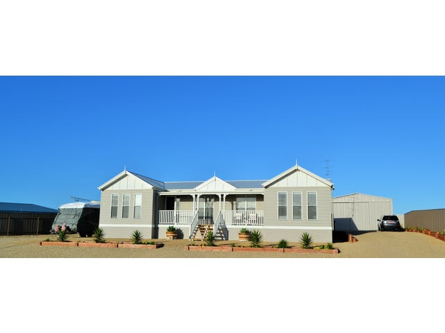 18 Magazine Bay Road,, Point Turton, SA 5575