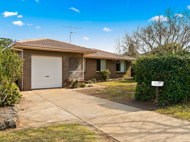 9 Chelsea Court, Centenary Heights, Qld 4350