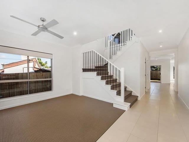 61a Sunset Road, Kenmore, Qld 4069