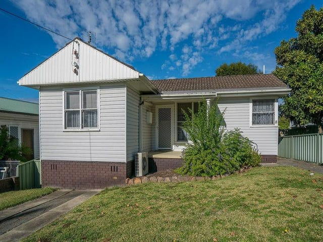 8 Macquarie Road, Fennell Bay, NSW 2283