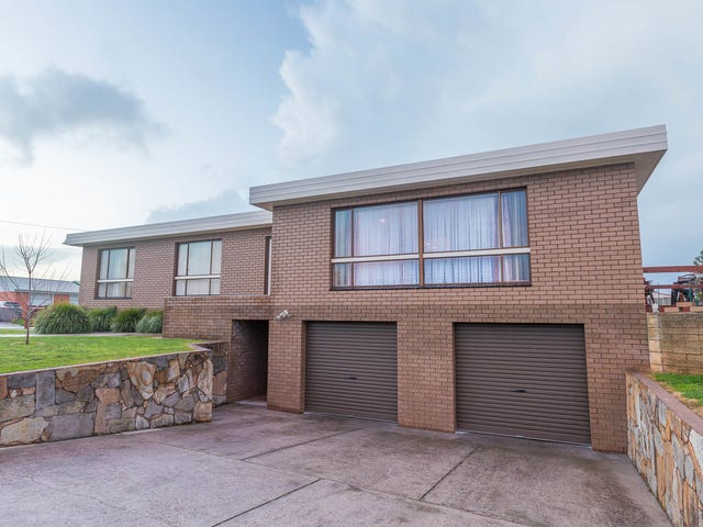 15 Churchill Avenue, Upper Burnie, Tas 7320