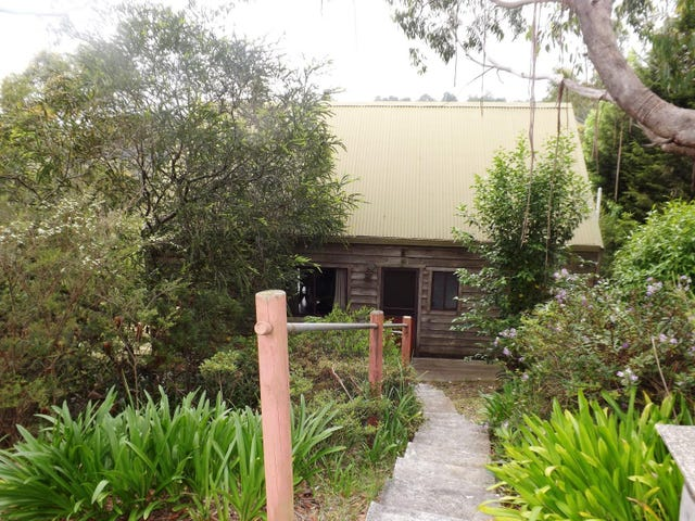 17 Glenview Road, Wentworth Falls, NSW 2782