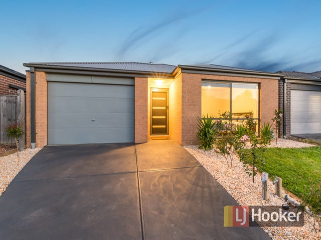 8 Loddon Place, Clyde North, Vic 3978