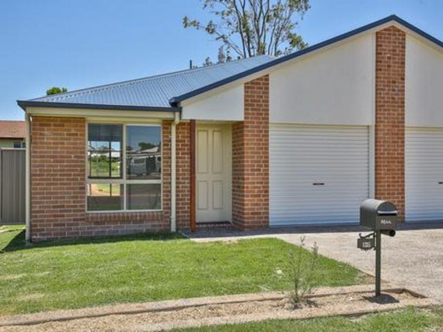 2/4 Northpoint Avenue, Harlaxton, Qld 4350