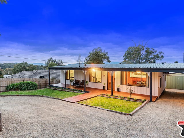 8 Russell Street, Mount Evelyn, Vic 3796