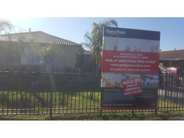 135 South Circular Road, Gladstone Park, Vic 3043