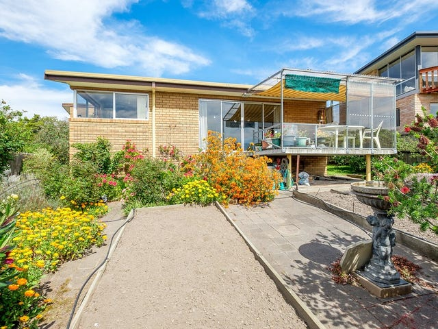 14 Nicholas Drive, Kingston Beach, Tas 7050