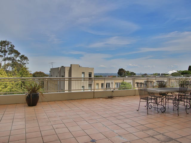 1004/2 Sovereign Point Court, Doncaster, Vic 3108