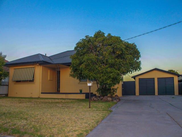400 Kotthoff Street, Lavington, NSW 2641