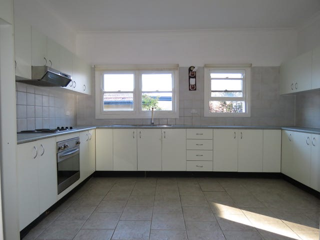 10 Bringelly Avenue, Pendle Hill, NSW 2145