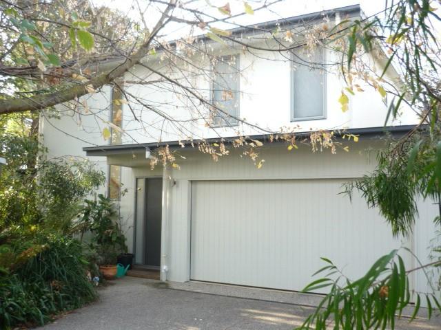 Point Lonsdale, address available on request