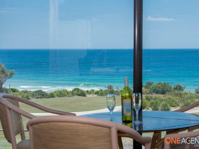138 Caves Beach Road, Caves Beach, NSW 2281