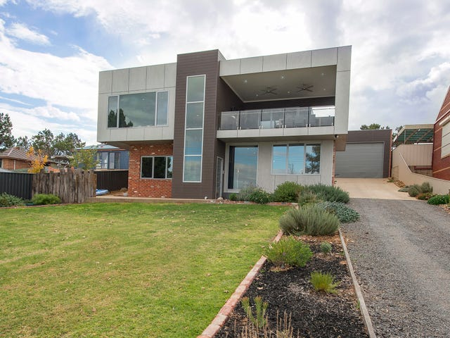383 Lakeside Drive, Lake Boga, Vic 3584