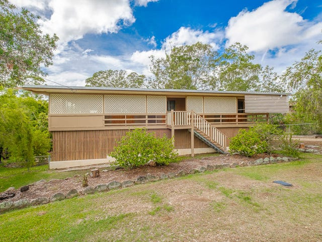 11 Heather Street, Southside, Qld 4570
