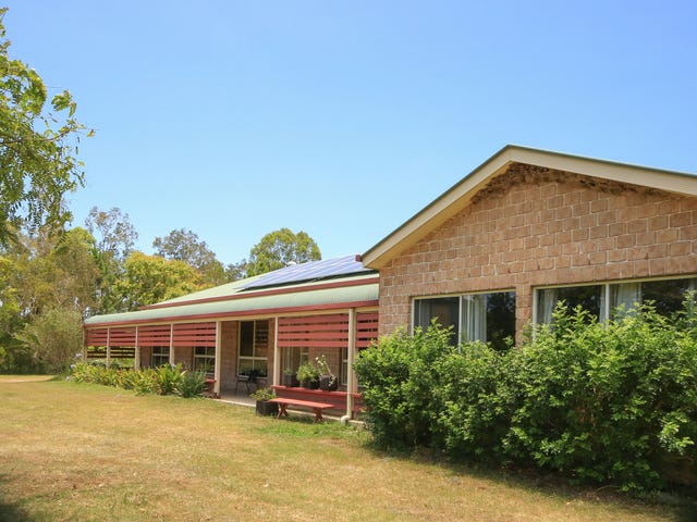 290 Wallace Road, Beachmere, Qld 4510