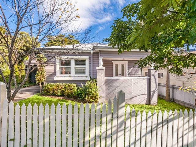 12 Fisher Street, West Wollongong, NSW 2500