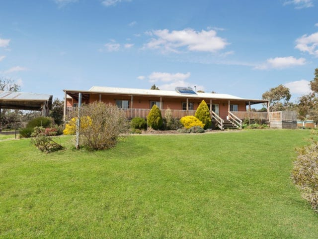 15 Darraweit Valley Road, Darraweit Guim, Vic 3756