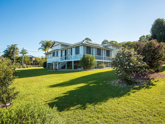 6 Exhibition Road, Southside, Qld 4570