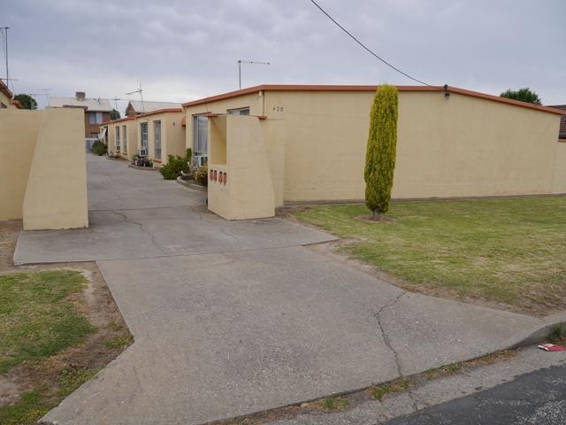 1/420 Kotthoff Street, Lavington, NSW 2641