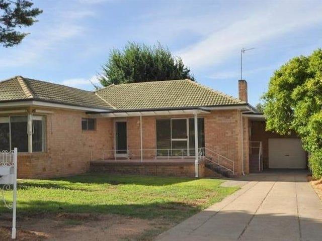 10 Acacia Street, Kooringal, NSW 2650
