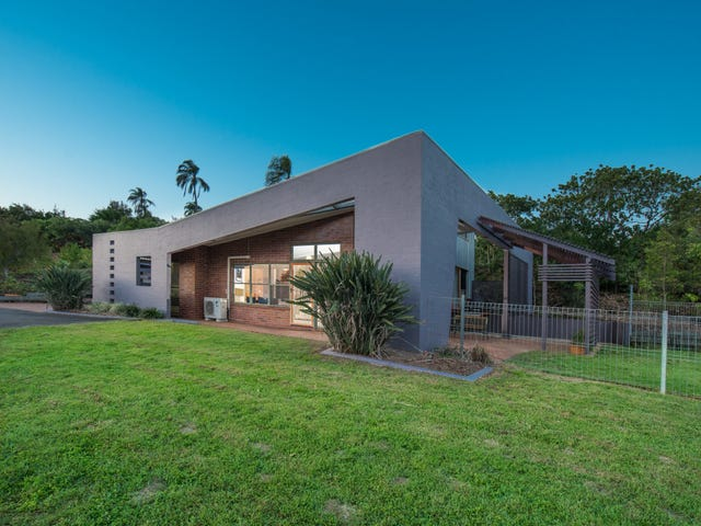 2 Finemore Crescent, Qunaba, Qld 4670