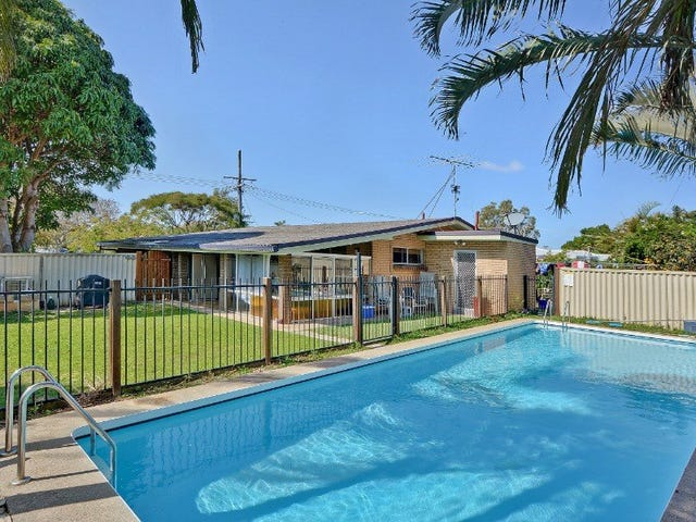 32 Wavell Avenue, Golden Beach, Qld 4551