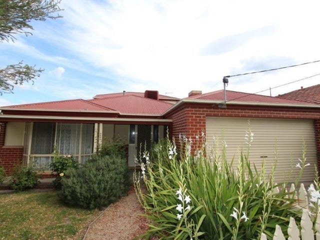 305 Clarendon Street, Soldiers Hill, Vic 3350